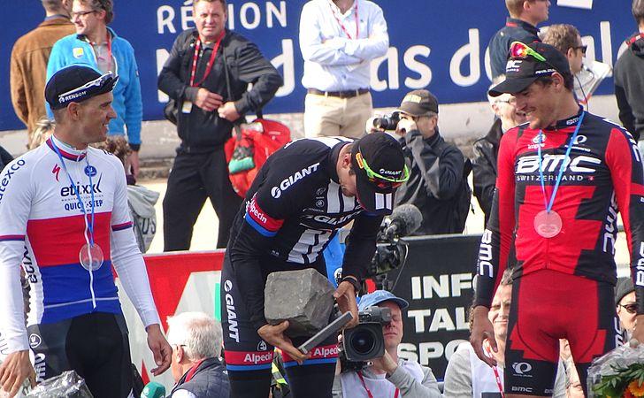 Roubaix - Paris-Roubaix, 12 avril 2015, arrivée (B36).JPG