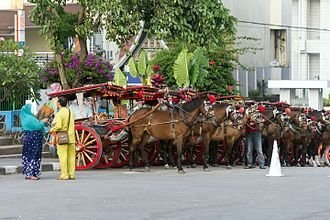 Jam Gadang - Bendi carriages for sightseeing