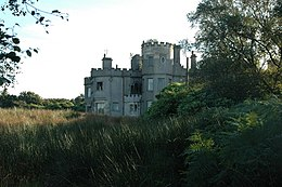 Ruined castle near Shuna House - geograph.org.uk - 607453.jpg