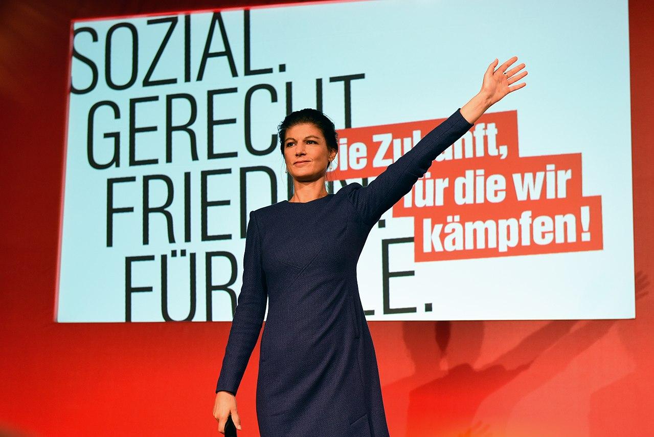 Sahra Wagenknecht bei der Bundestagswahl 2017 Wahlabend Die Linke (Martin Rulsch) 38.jpg