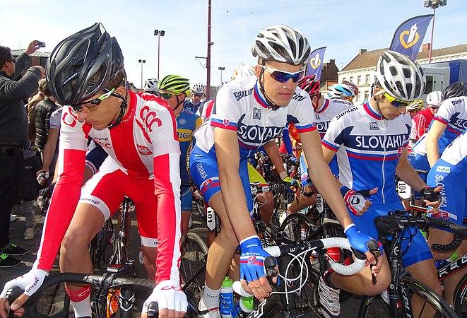 Saint-Amand-les-Eaux - Paris-Roubaix juniors, 12 avril 2015, départ (A79).JPG