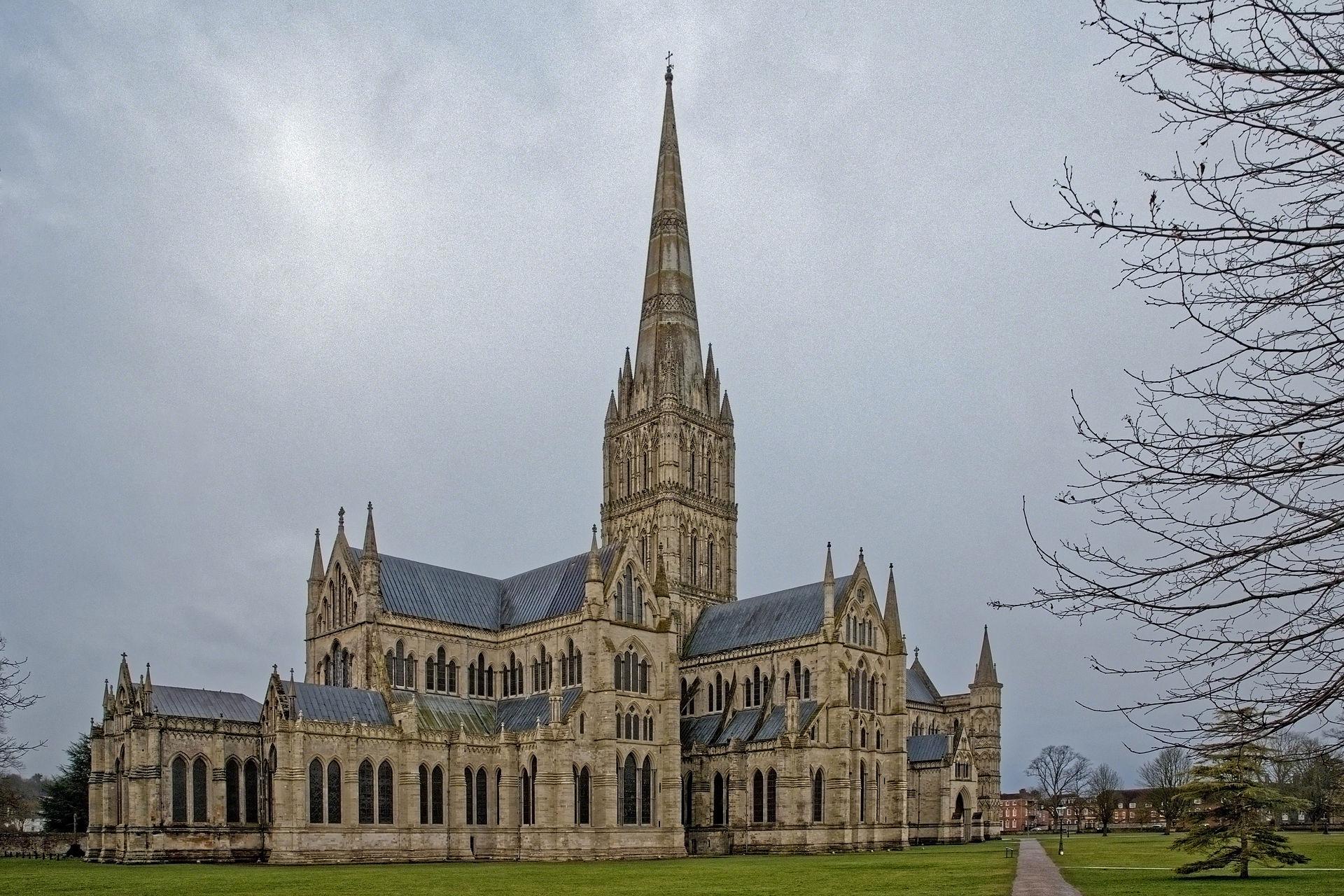 Arquitectura de las catedrales y las grandes iglesias for Arquitecturas famosas