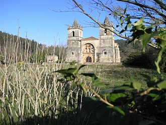 Alfoz de Lloredo - Church of San Martín de Tours.