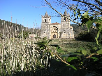 Iglesia de San Martín de Tours, vista de frente de la portada occidental