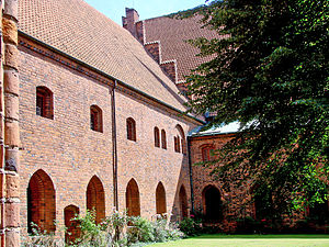 Carmelite Priory, Helsingør - Image: Sankt Mariae Helsingoer Klostergården