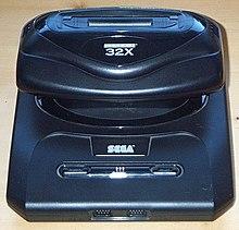[Immagine: 220px-Sega_32x.jpeg]