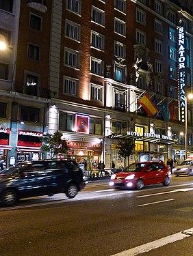 Senator España Paseo Nocturno por Madrid 8 (5361309997) (cropped).jpg