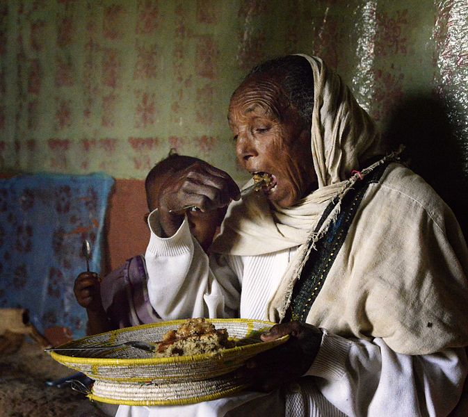 File:Sharing a Meal, Tigray (13556684404).jpg