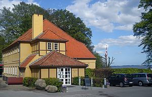 Riis Skov - The restaurant Sjette Frederiks Kro (1825). Riis Skov has a long history of recreational activities.