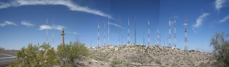 File:South Mountain broadcast towers, Phoenix, Arizona.jpg