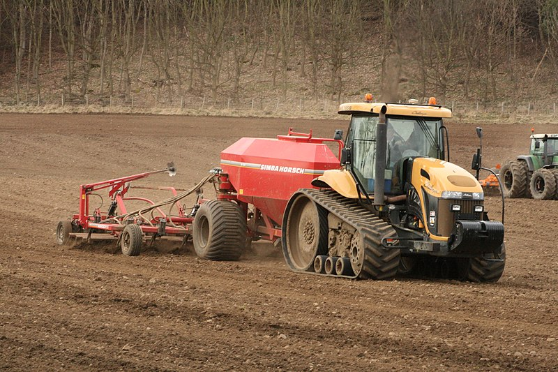 File:Sowing seeds ^ rolling the ground at same time. - panoramio.jpg