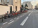 Station Vélo'v 8015 rue Maryse Bastié (Lyon).jpg