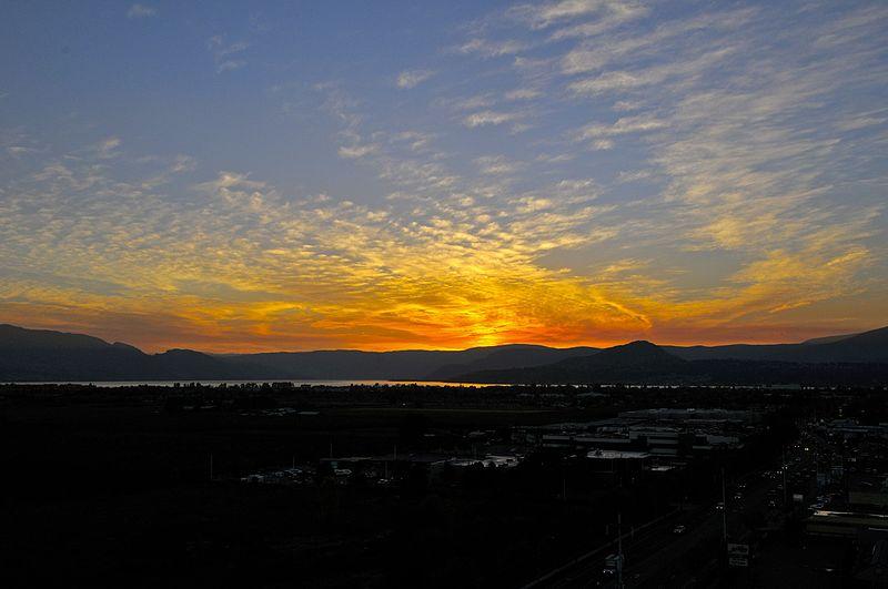 File:Sunset over Kelowna - panoramio.jpg