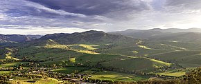 290px-Surrounding_hills_of_swifts_creek.