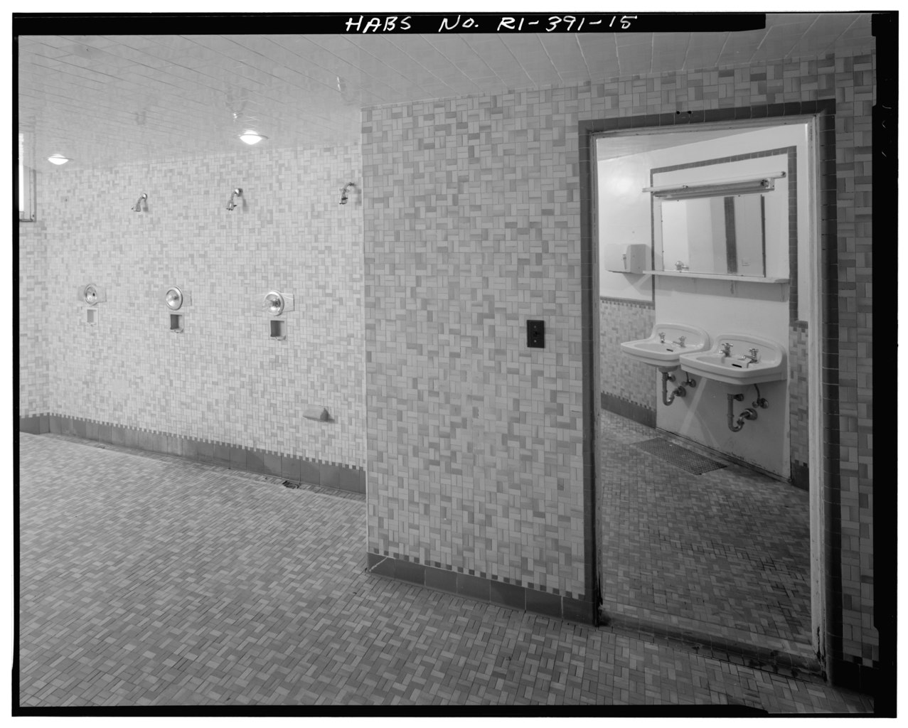 Swimming pool shower area, view from northeast. - Army and Navy Young Mens' Christian Association (YMCA), 50 Washington Street, Newport, Newport County, RI HABS RI,3-NEWP,79-15