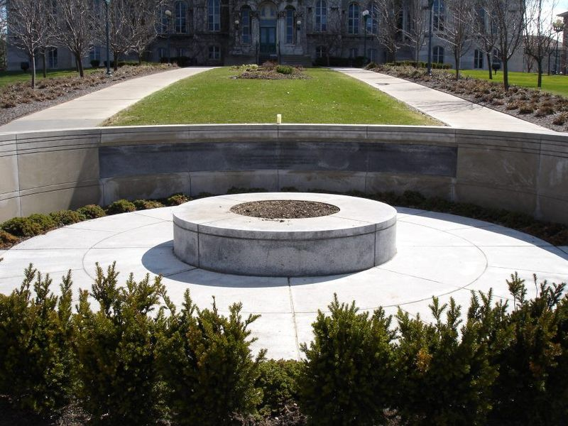 Syracuse University Flight 103 Memorial.jpg