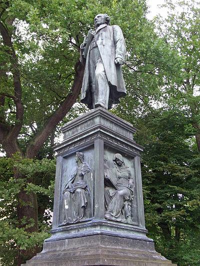 Tübingen-Uhlanddenkmal52314.jpg