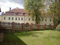 Těchobuz (zámek).jpg
