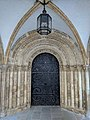 Temple Church West Door, Nov 2018.jpg