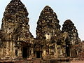 Thailand - monument 3.JPG