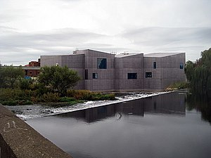 The Hepworth Wakefield - The Hepworth Wakefield and the River Calder