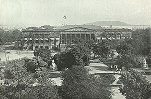 Horniman Circle Gardens - The Town Hall and part of Elphinstone Circle Gardens, c. 1905