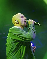 Tim Booth (James) (Haldern Pop Festival 2013) IMGP5250 smial wp.jpg