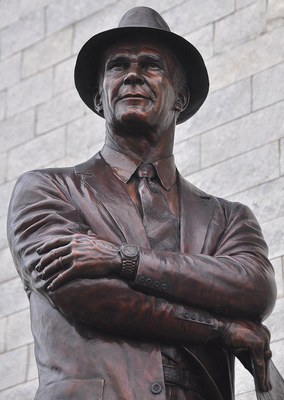 Tom Landry sculpture