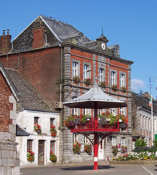 The town hall in Trélon