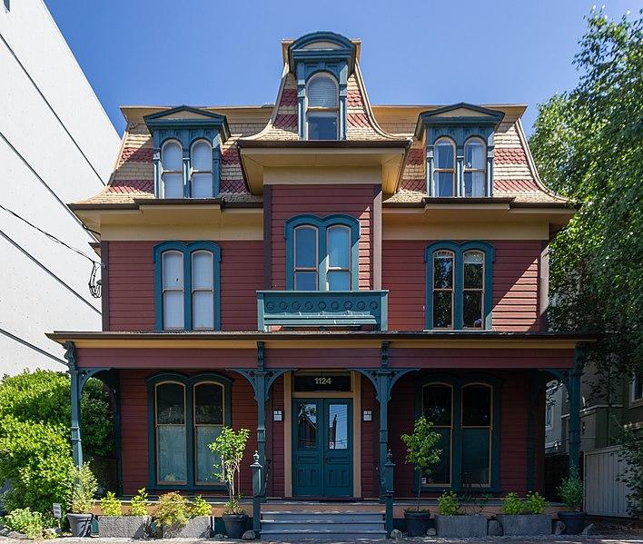 Средняя цена дома в Канаде в апреле составила $ 495 000, что на 0,3% больше, чем год назад