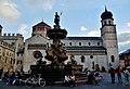 Trento Piazza del Duomo Fontana del Nettuno & Cattedrale 1.jpg