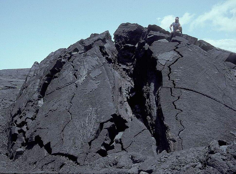Tumulus-inflationary cave