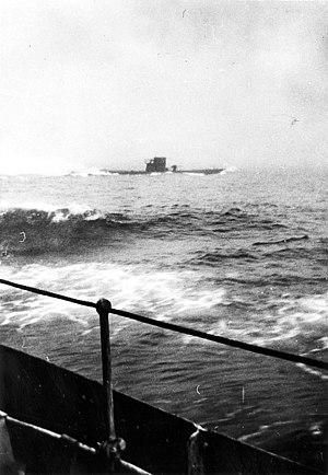 HMS Kempenfelt (I18) - Image: U 210 PA 037443