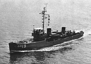 USS Sheldrake (AM-62) - USS Sheldrake (AGS-19) underway c1962