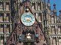 Uhr der Frauenkirche in Nürnberg.jpg