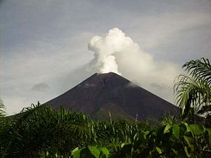 Geology of the Pacific Ocean - Ulawun stratovolcano situated on the island of New Britain, Papua New Guinea
