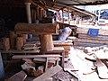 Un atelier de menuiserie-scierie a Cotonou au Bénin.jpg