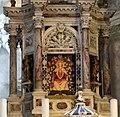 Venezia, gli scalzi, interno, altare maggiore di giuseppe pozzo, con tavola del 1410 ca. 04.jpg