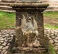 Verweerde console. Locatie, Kerk van San Rocco met daaromheen de militaire begraafplaats in Peio Paese.jpg