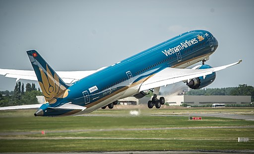 Vietnam Airlines, international service at Sky Harbor Boeing 787-9 Dreamliner, VN-A861