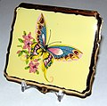 Vintage Stratton Woman's Cigarette Case with Butterfly Design, Made in England (10106715825).jpg