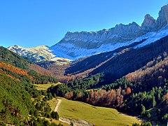 Vista de Los Alanos en Zuriza.jpg