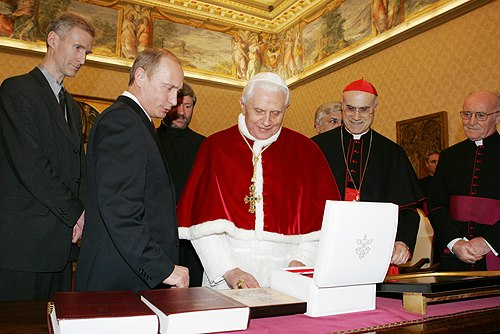 Vladimir Putin in the Vatican City 13 March 2007-4