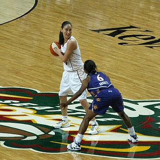 Sportswoman of the Year Award - Sue Bird, on offense