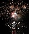 Waikiki Fireworks 7 (30614277945).jpg
