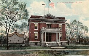 Iola, Kansas - U.S. Weather Bureau (circa 1900)