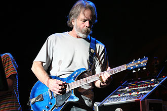 Grateful Dead - Bob Weir onstage in 2007, playing a Modulus G3FH