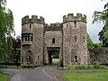 Wells Bishop's Palace 02.jpg
