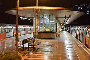 West Hampstead tube station - Image: West Hampstead. Waiting Room