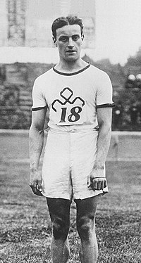 Willie Applegarth 1912.jpg